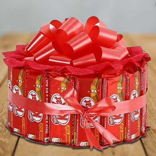 Marvelous Kitkat Arrangement of Round Shape