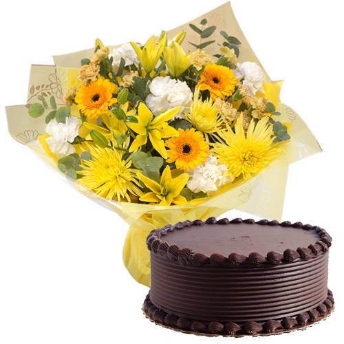 Luscious Eggless Chocolaty Cake with Mixed Flowers Bouquet