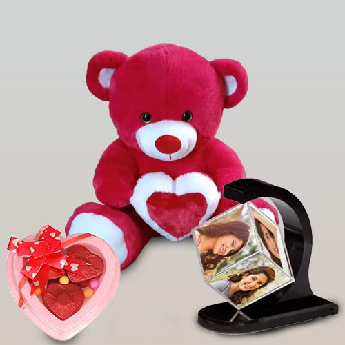 Alluring Personalized Gift Combo
