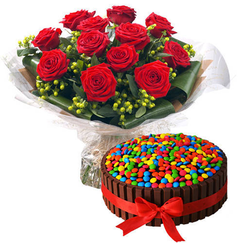 Beautiful Bouquet of Red Roses with Kit Kat Cake
