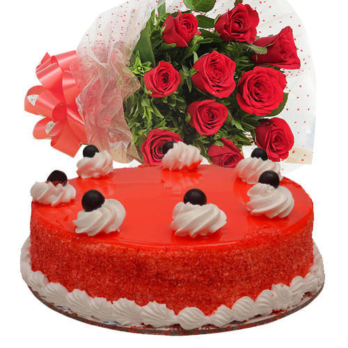 Unforgettable Bouquet of Red Roses with Red Velvet Cake