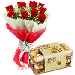 Midnight Delivery of Bunch of Roses with Yummy Ferrero Rocher