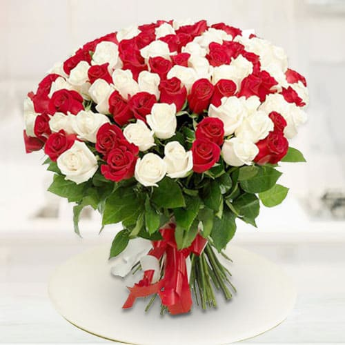 Fresh-Cut Red N White Roses Bouquet