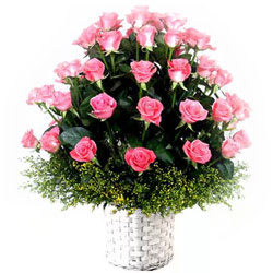 Attractive Arrangement of Pink Roses
