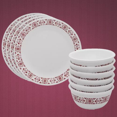 Breathtaking Corelle Red Thrills Glass Dinner Set
