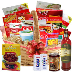 Healthy and Tasty of Indian Preserves Lunch Basket