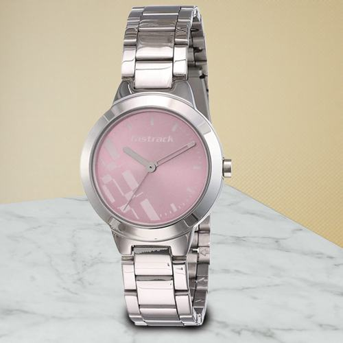 Alluring Fastrack Analog Womens Watch